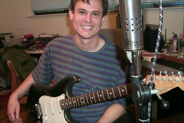http://www.stellavision.com/gallery/2001_recording/steve_groovetube.jpg